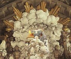 Vue détaillée: Volutes de nuages en couronne blanc-doré surplombant le maître-autel, église du château de Rastatt