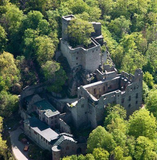 Luftbild vom Alten Schloss Hohenbaden in Baden-Baden
