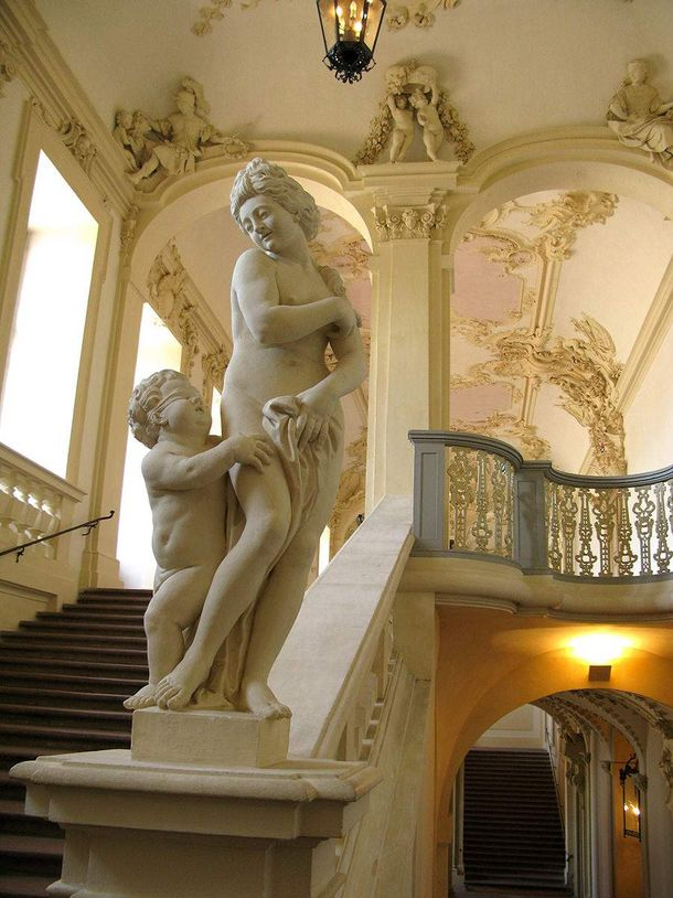 Rastatt Residential Palace, Statue on the stairway