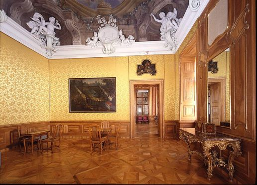 Rastatt Residential Palace, A look inside the Yellow Salon