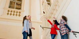 Schüler im Residenzschloss Rastatt