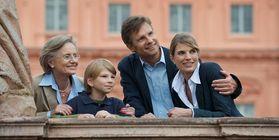 Familie vor Residenzschloss Rastatt