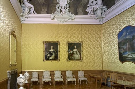 Image: Rastatt Residential Palace, second private room with portrait of Maria Josepha of Bavaria and Maria Amalie of Austria