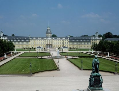 Exterior of Karlsruhe Palace. Image: Landesmedienzentrum Baden-Württemberg, Andre Rachele