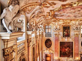 Residenzschloss Rastatt, Ahnensaal, gefesselte Türken