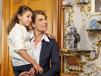 Mutter und Tochter im Residenzschloss Rastatt