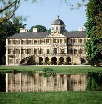 Außenansicht von Schloss Favorite Rastatt; Foto: Staatliche Schlösser und Gärten Baden-Württemberg, Arnim Weischer