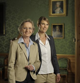 Visitors in the margravine's private rooms at Rastatt Residential Palace. Image: Staatliche Schlösser und Gärten Baden-Württemberg, Niels Schubert