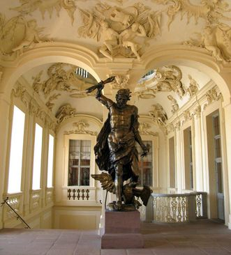 The original thunderbolt-wielding statue of Jupiter