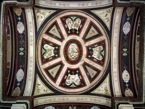 Rastatt Residential Palace, Painted ceiling above the A look inside the lacquer cabinet