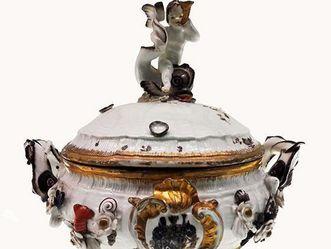 Suppenterrine aus den Anfängen des 18. Jahrhunderts; Foto: Wikipedia gemeinfrei